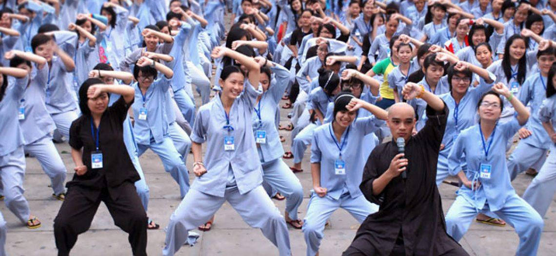 [Chùa Hoằng Pháp] Hơn 2000 bạn trẻ tham dự khóa tu mùa hè đợt 2 năm 2011