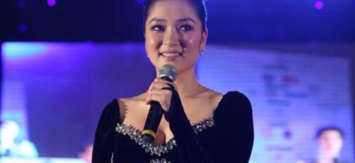 HH Nguyễn Thị Huyền hát nhạc Phật Giáo