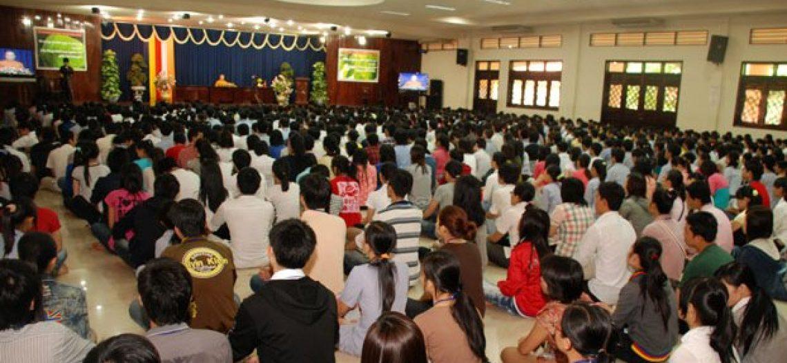 Ngày tu sinh viên tại chùa Hoằng Pháp