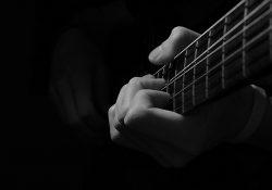 Bài 2: Làm Quen với Guitar