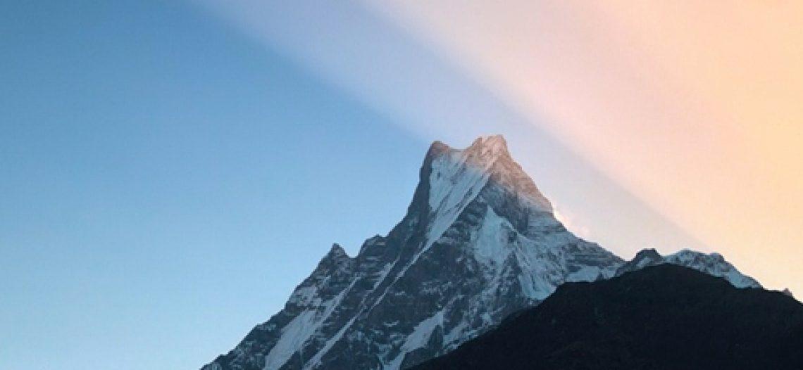 Cảnh đẹp hùng vĩ trên dãy Himalayas