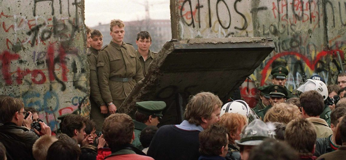 [The Big Picture] Tìm hiểu thêm về bức tường Berlin