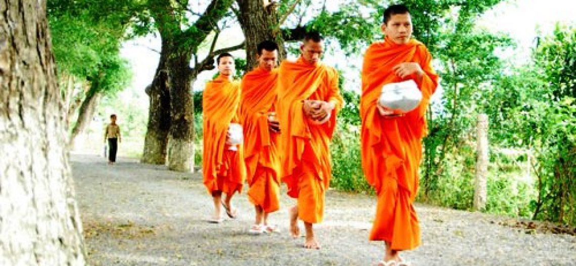 Teen Khmer mùa báo hiếu