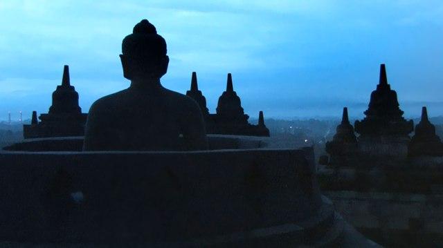 Borobudur - Hùng vĩ và linh thiêng.