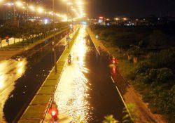 Người Sài Gòn bị nước bủa vây suốt 10 ngày