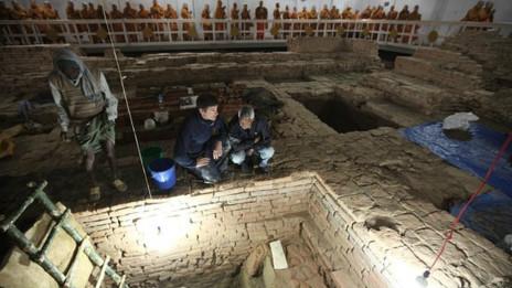 Các nhà khảo cổ đã khai quật ở trung tâm ngôi đền thờ Hoàng hậu Maya