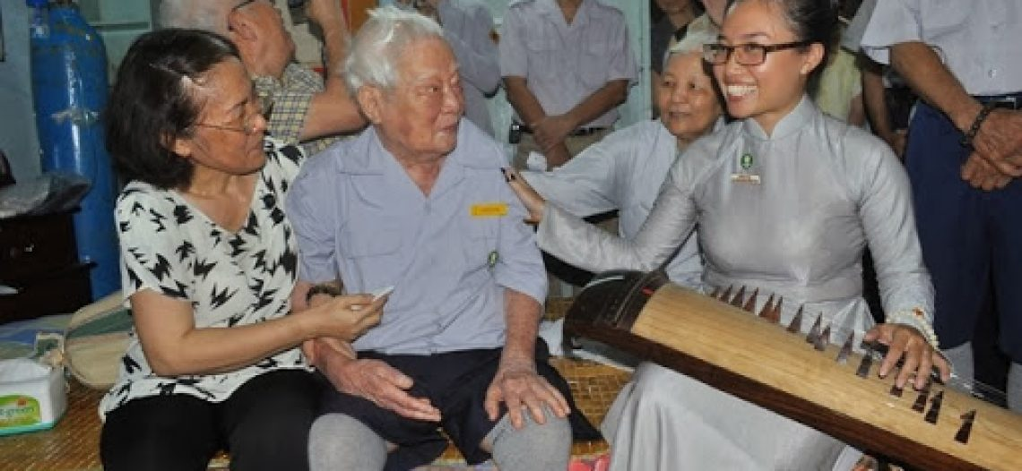 [Dương Kinh Thành] Nén nhang lòng xin tiễn biệt Nhạc sĩ Lê Cao Phan (1923 – 2014)