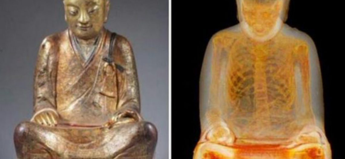 Xác ướp 1.000 năm bên trong tượng Phật